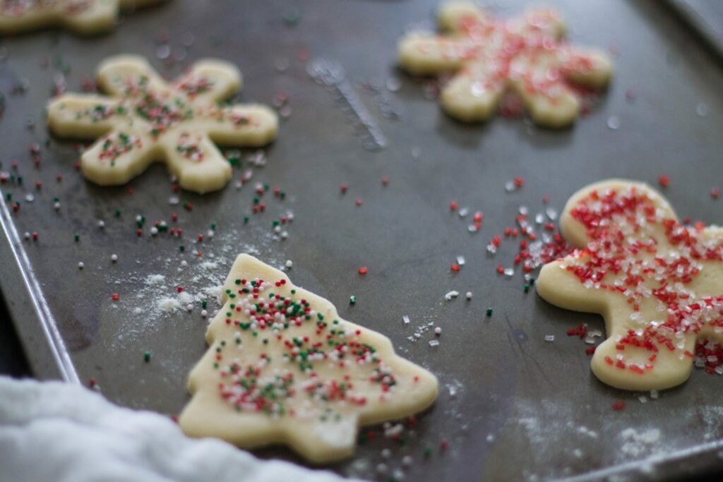 Love these fun annual Christmas Cookie Party invitations! I love how they have a party every year - It would be great to get something like this  together!