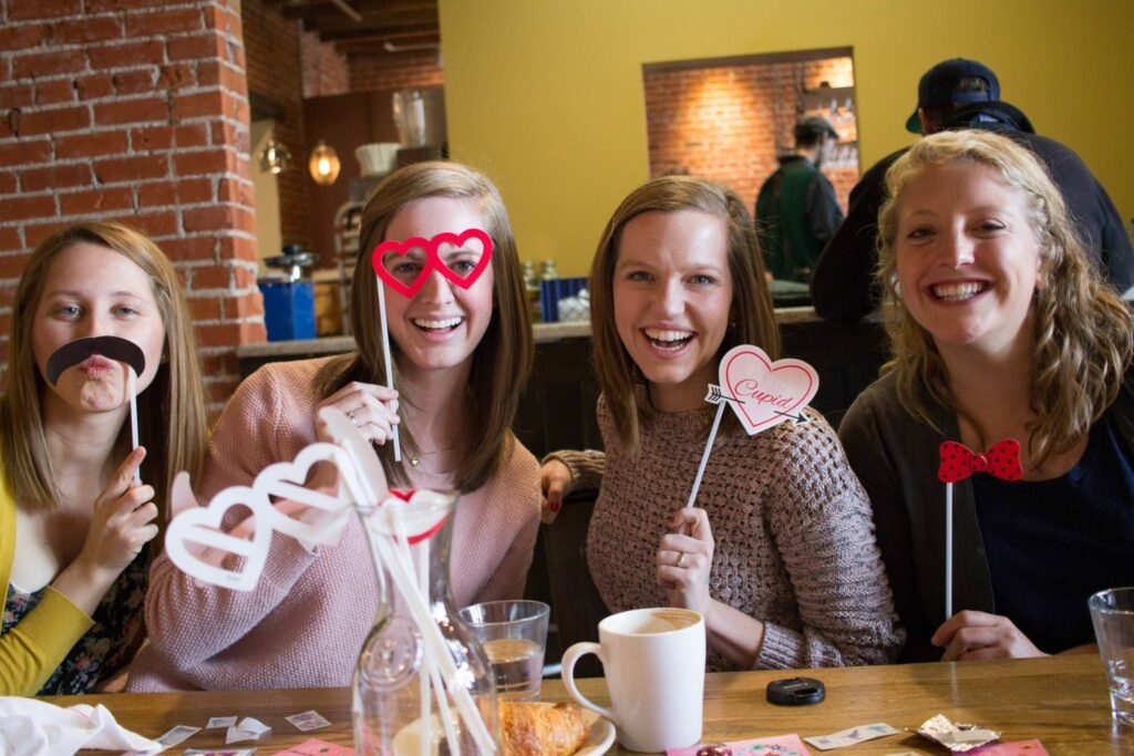 How to throw a Galentine's Day party with your gals next Feb. 13th!!