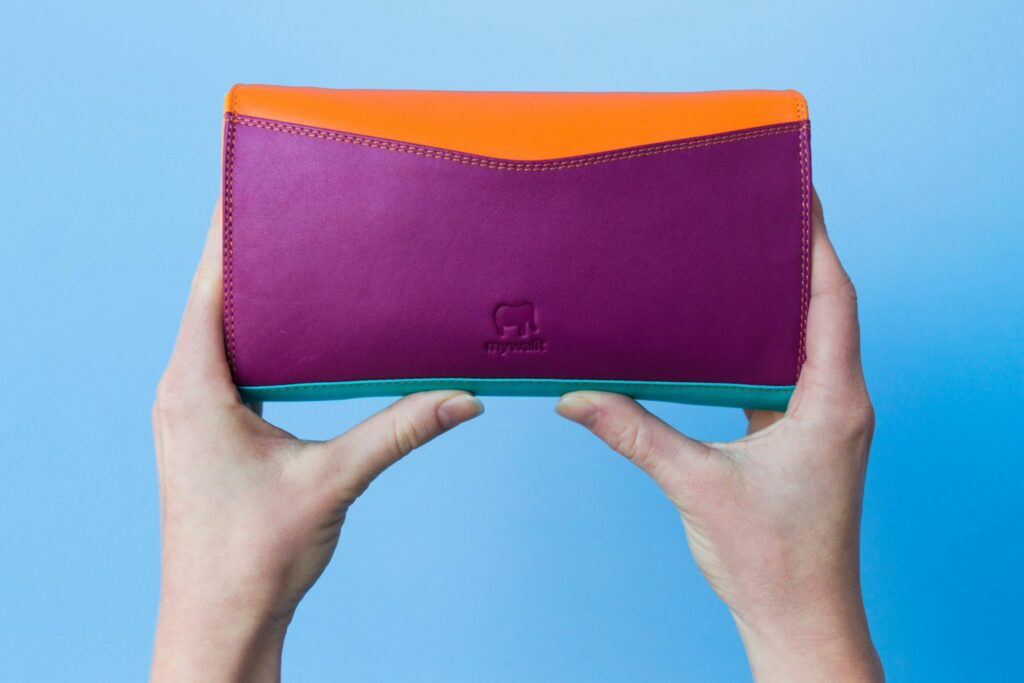 Bright & Fun clutch from Mywalit for Spring ! This spring style outfit is so fun & cute!