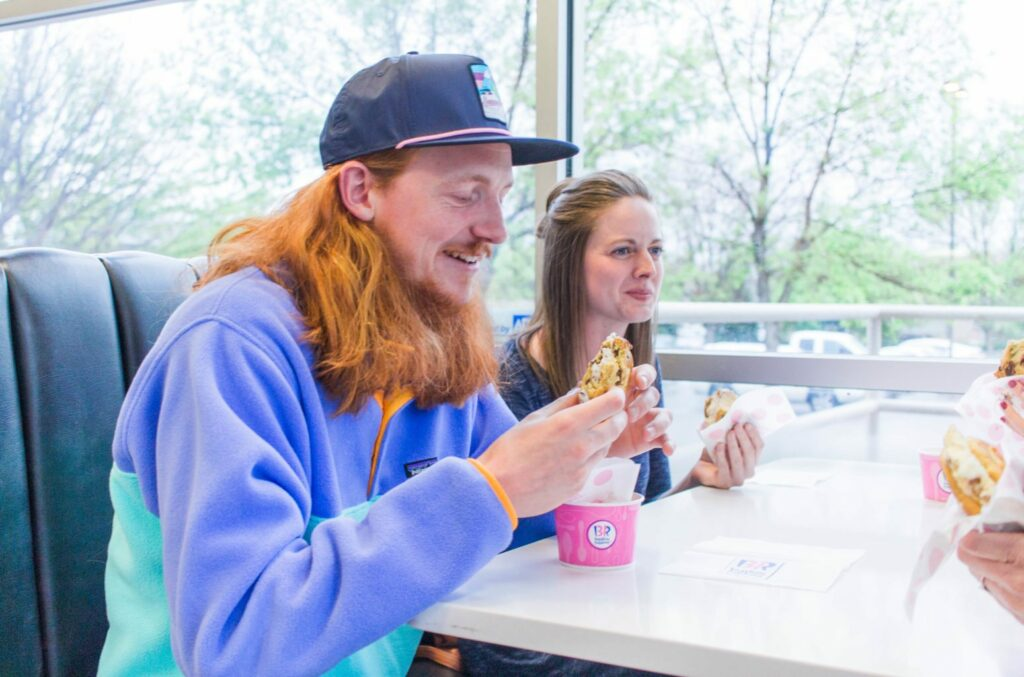 Summer sweet cravings? Grab your friends & family and head to Baskin-Robins for a Warm Cookie Ice Cream Sandwich!! Spending time #sandwiching between the people you love most and make sweet memories! PLUS they are delicious - pick your cookie & ice cream flavor!! #ad