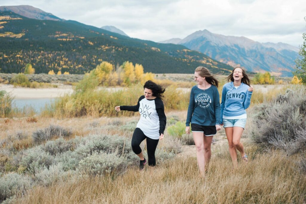 Colorado Mountain Style in Twin Lakes Colorado - love Colorado in the autumn and that Denver Sweatshirt! Fall