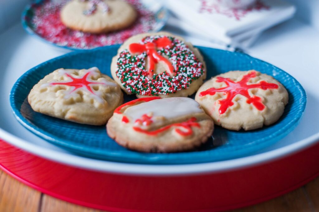 Christmas Sugar Cookies & A Christmas Cookie recipe @Bob's Red Mill #BobsHolidayCheer (click through for recipe)